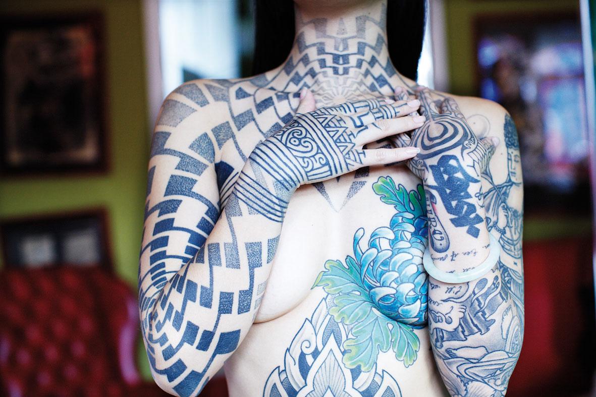 Women full body tattoo nude